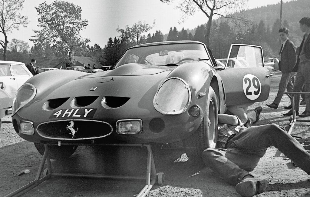 17.05.1964 | Spa-Francorchamps | 500 km von Spa GT-Rennen ( Fotos vom Training am 16.05.1964 ) Dieses Rennen ging in die Geschichte ein durch die größte Anzahl an teilnehmenden Ferrari 250 GTO ( 11 Stück und 2 SWB Drogo ) !